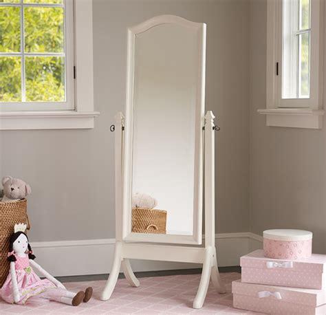 mirror in bedroom as per vastu mirror in bedroom vastu 28 images mirror in bedroom