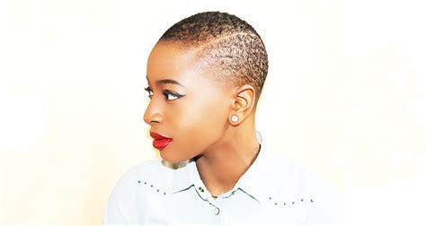 Couper Les Cheveux Femme by Pourquoi Une Femme Devrait Se Couper Les Cheveux Au Moins