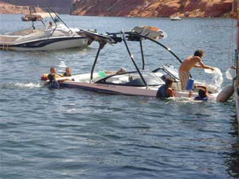 the best boating fails theskimonster - Sinking Wake Boat