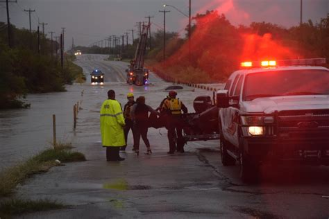 rescuers save san antonio drivers trapped in raging waters