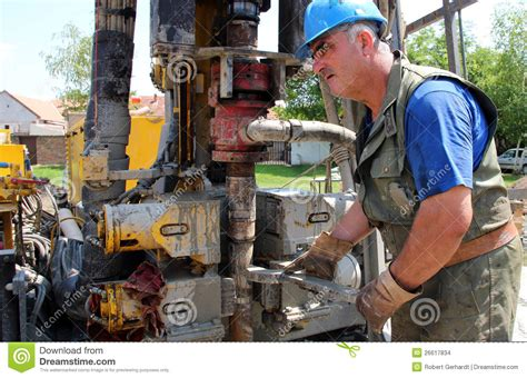 worker drilling for on rig stock images image 26617834