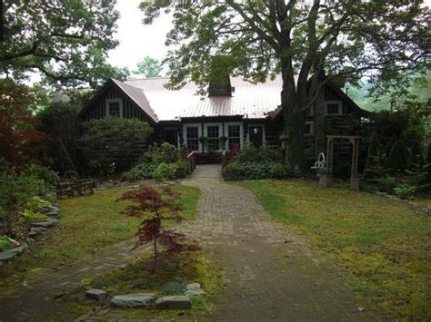 Log Cabin Highlands Nc by Enclosed Porch Picture Of Rustico At The Log Cabin Highlands Tripadvisor