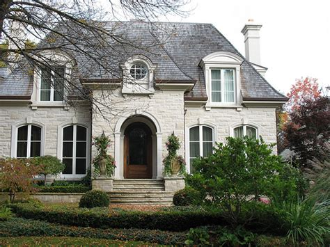 built from indiana limestone the quot t quot shaped lynnewood indiana limestone creating home