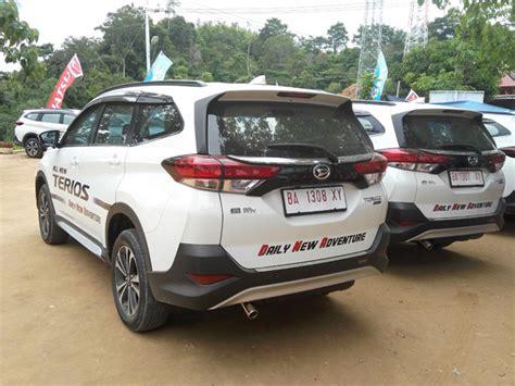 interior new terios 2018 test drive daihatsu terios 2018 review mobil123