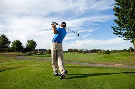 swinging man 高尔夫球友谊赛