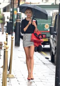 la fregna bagnata kimberley garner in tight mini skirt 33 gotceleb