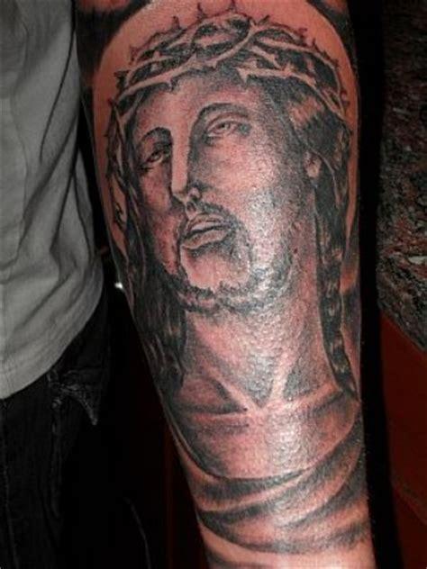 tattoo de jesus en el antebrazo tatuaje de cristo en el antebrazo