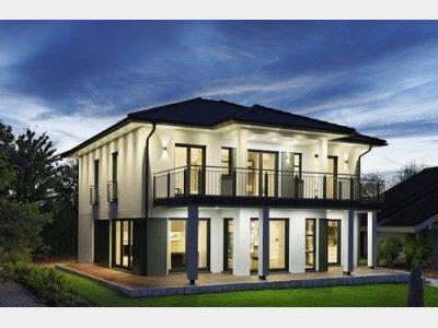 einfamilienhaus modern walmdach montana einfamilienhaus rensch haus gmbh haus