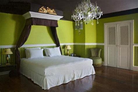 Green color bedroom