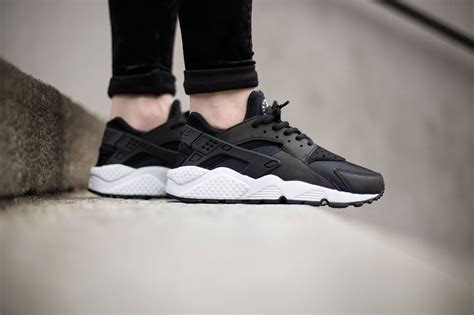 black and white patterned huaraches nike wmns air huarache run black white sneakers addict