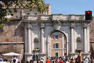 porta portese auto roma esplorando i mercati di roma rome central magazine city