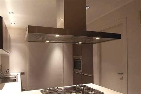 ladari stile moderno illuminazione piano cucina forum arredamento it