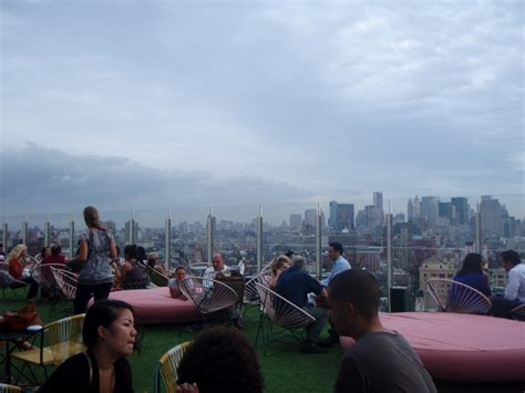 standard roof top bar nyc 10 to 1 number 1 rooftop bar elle croft