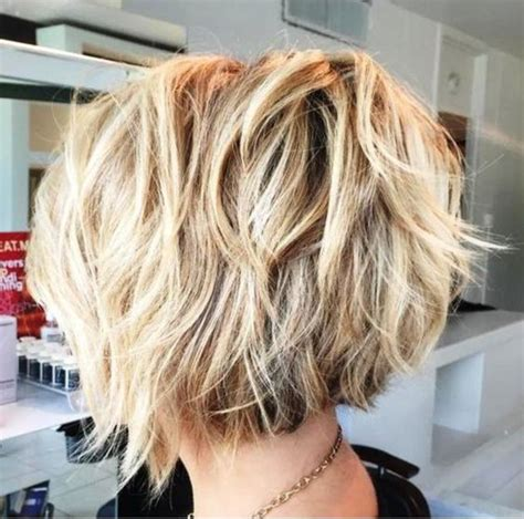 messy angled bob inverted piecy messy bob hairstyles pinterest bob