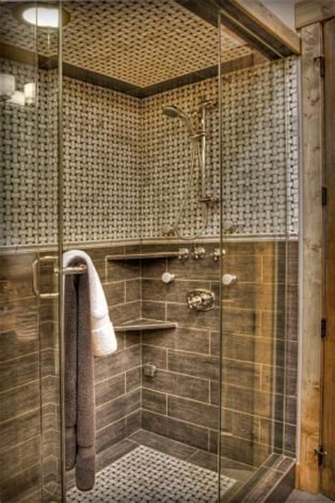 how do you tile a bathroom wall like the tile pattern with a trim area around the bottom
