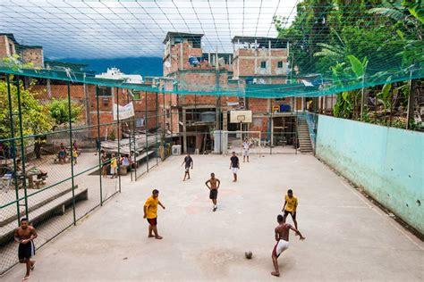 etiquetas barrio bmx deporte publicidad view image favelas m 225 s peligrosas idealista news