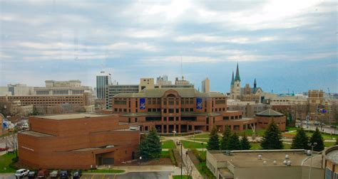 Marquette Mba Program by Reitspres The Business Of Bigness Marquette