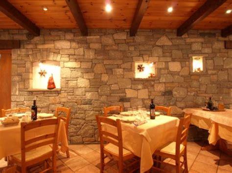 arredamenti per ristoranti rustici arredo rustico di sala foto di hotel mont nery