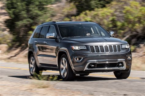 overland jeep 2014 jeep grand cherokee v8 overland front three quarters