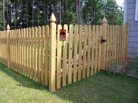 Decorating Historic Homes by Wooden Picket Fence Styles Fences