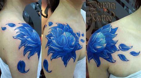 lotus tattoo shoulder blade 65 beautiful lotus shoulder tattoos