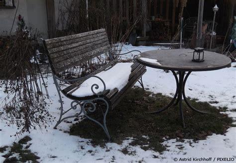 pflanzen winterfest einpacken den garten winterfest machen garten hausxxl garten