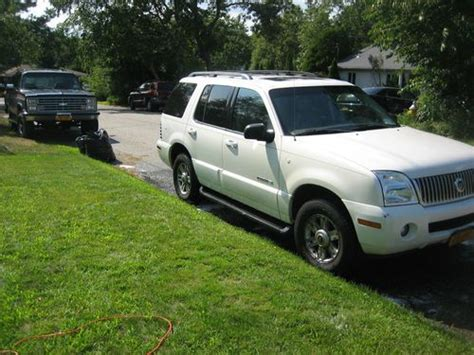 2010 mercury mountaineer heated leather trimmed front seats batucars sell used 2002 mercury mountaineer awd leather heated seats 3rd row seat no reserve in shirley