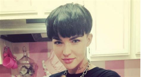 ruby rose cutting hair video the 12 best 90s hairstyles we all had growing up