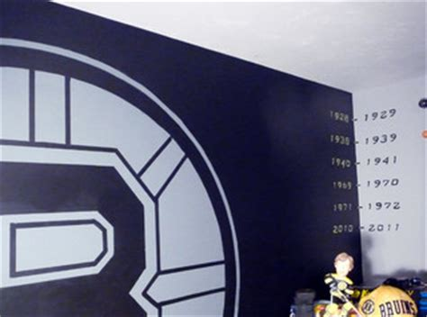 boston bruins bedroom boston bruins mural boy s hockey theme room