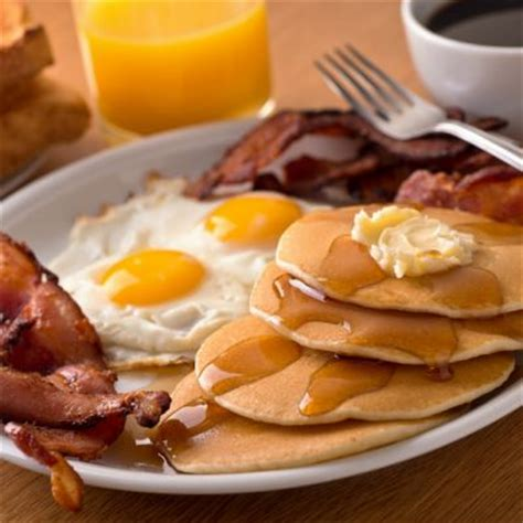 best meal for breakfast breakfast classic sunnyside up eggs with bacon and