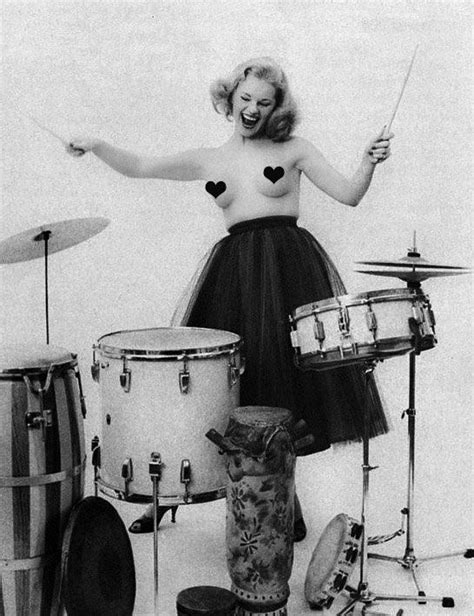 hot chick playing drums 128 best images about drummer girls on pinterest
