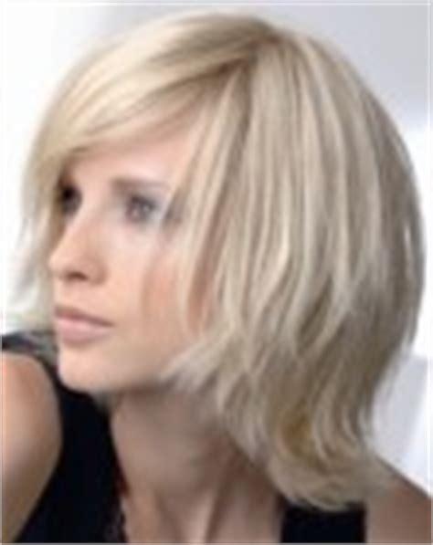Tendências e cortes de cabelo médios