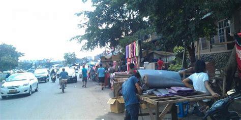 Karpet Lantai Pasar Gembrong digusur pedagang di pasar gembrong lempari petugas dengan batu merdeka