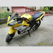 Yamaha R15 Revi...