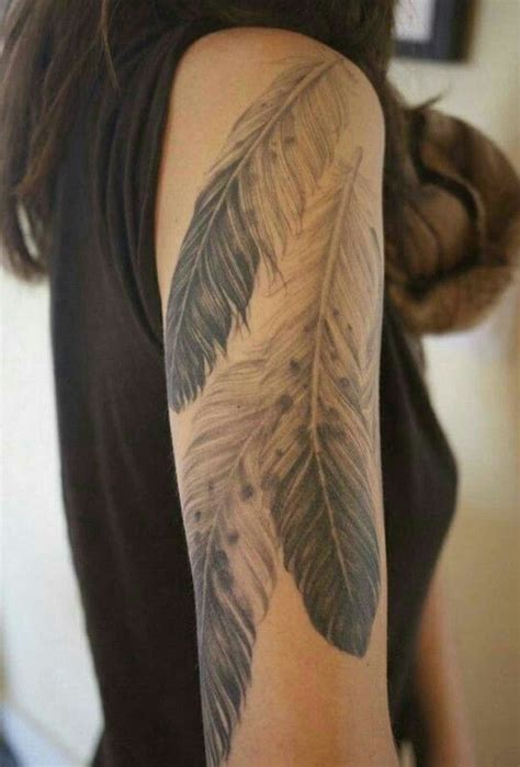 tribal eagle feather tattoo best 25 eagle feather tattoos ideas on