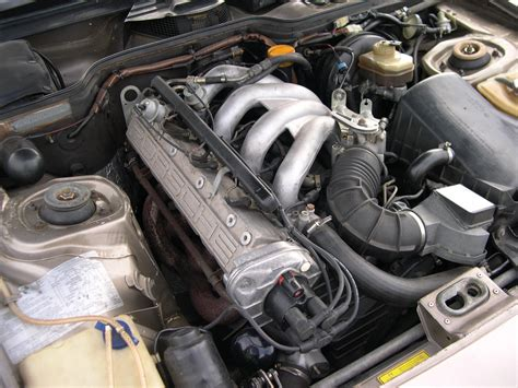 how do cars engines work 1986 porsche 944 navigation system file 1986 porsche 944 engine jpg wikimedia commons