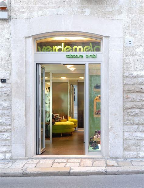 negozi arredamento bari arredamento negozio calzature verdemela bisceglie bari puglia