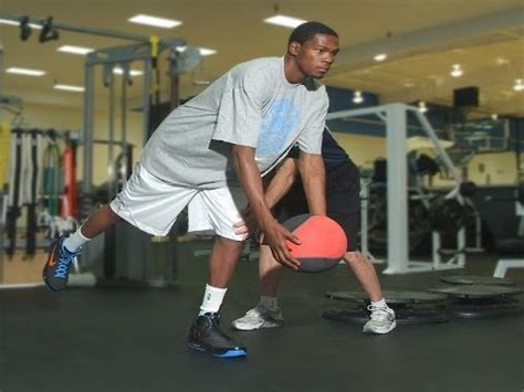 kevin durant bench press basketball weight lifting how weight lifting can benefit
