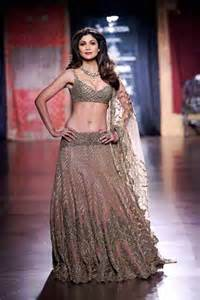 7 trends of lehenga choli to follow from aicw 2015