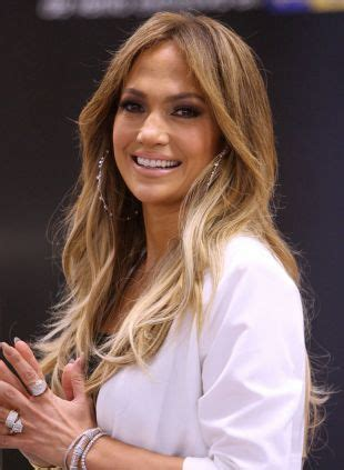Long hair ideas: J.Lo's blowout vs. big waves