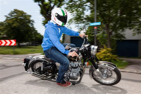 Classic Motorrad Austria by 1000ps At Test Royal Enfield Classic 500 Enfield