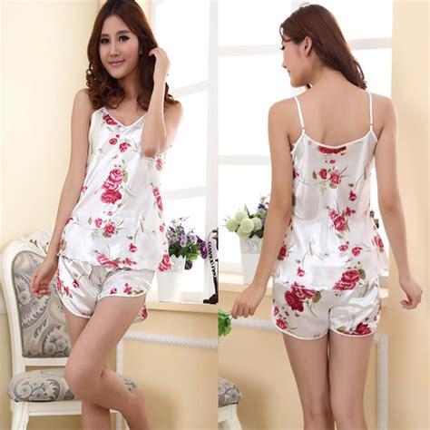 Flowery Sleepwear flower sleepwear set