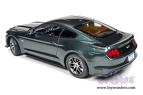Ford Mustang 2015 Auto World by 2015 Ford Mustang Gt Hard Top Aw225 1 18 Scale Auto World