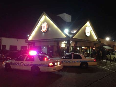house of pies houston man in restroom calls 911 as shots are fired in houston house of pies houston chronicle