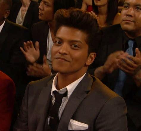 Wink Find Bruno Mars Wink Gifs Find On Giphy