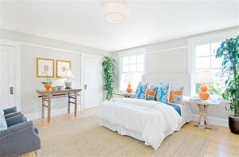schlafzimmer mit weißen möbeln welche wandfarben zu kupfer