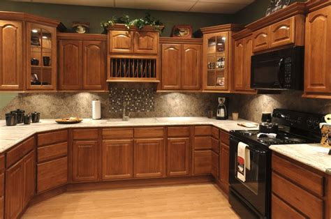 hickory cathedral kitchen cabinets granite creek