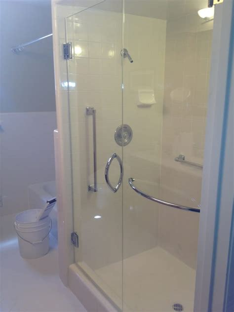 Glass Shower Guard by 3 8 Quot Ultra White Shower Guard With Chrome Crescent Handle