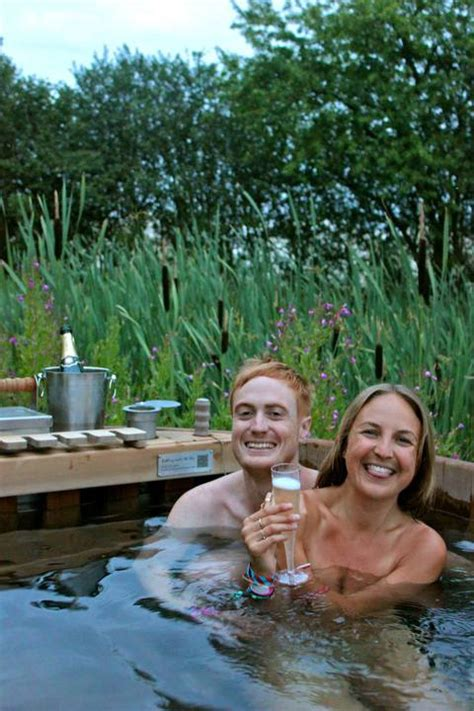 secret garden party  bathing   sky