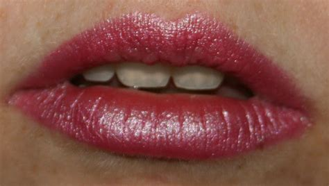 Guest Elke From The Newsletter Lipstick Powder N Paint by Collection Pink Orchid Lipstick Guest Review